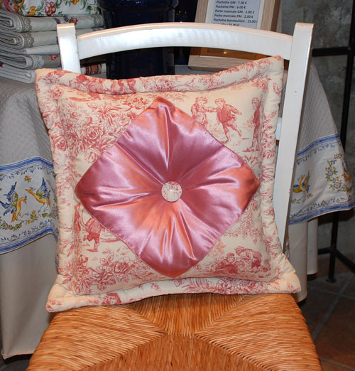Toile de Jouy cushion 40 x 40 cm (rose)