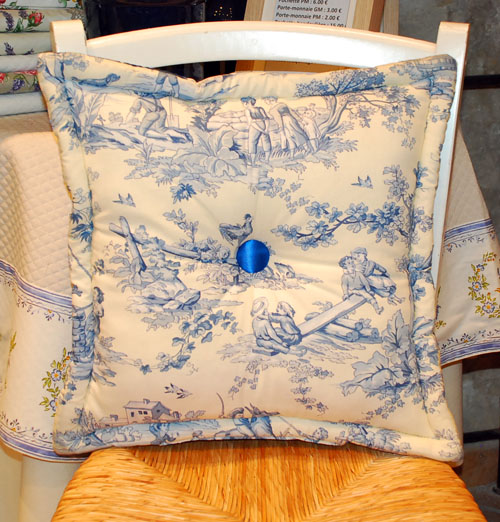 Toile de Jouy cushion 40 x 40 cm (blue)
