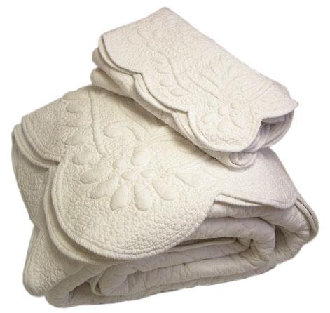 Merveilleux Provencal Boutis Bed Cover, Bedspread (MOUGINS. 6 Colors)