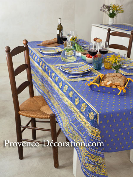 Coated tablecloth (Marat d'Avignon / bastide. lavender blue)