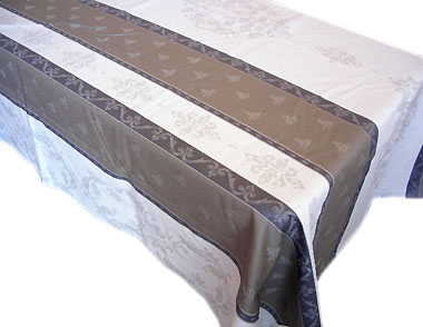 French Jacquard woven coated tablecloth (Montaulieu. Ecru/taupe)