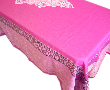French Jacquard tablecloth, Teflon (Dentelle. raspberry)
