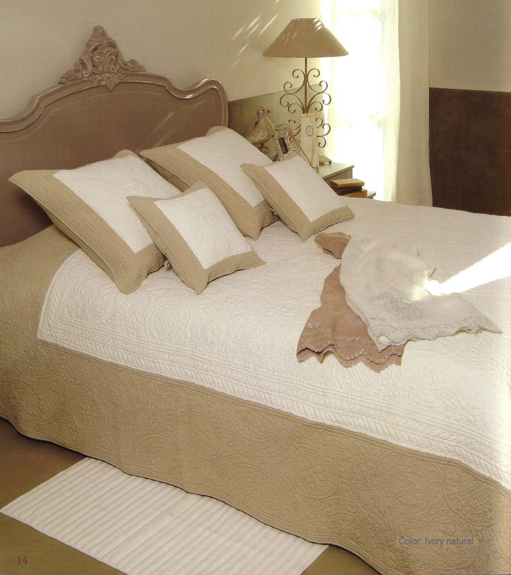 Provencal Boutis bed cover, bedspread (Pulsion)