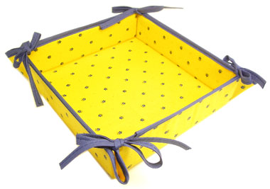 "Provencal ""coated"" bread basket (calissons. yellow x blue)"
