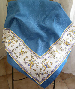 Jacquard multi-cover (Moustiers. white x blue)