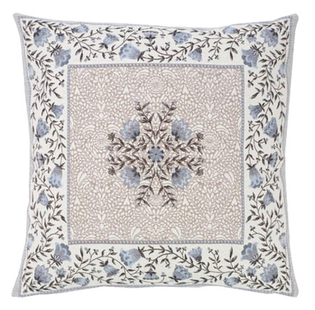 Jacquard cushion cover (AUBRAC. 3 colors)
