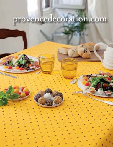 French coated tablecloth (Calissons. yellow x red)