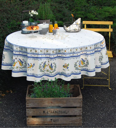 French Round Tablecloth Coated (Moustiers2014. white x blue)