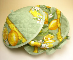 Provencal basket with lid (lemons and small flowers. mint green)