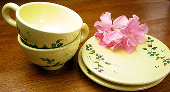 Hand made pottery set of 2 tea cups and saucers (JAPONAISE)