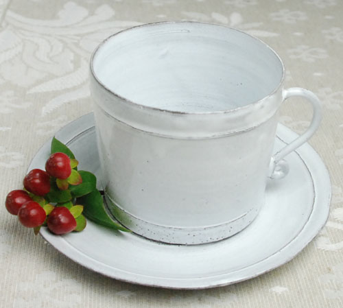 Provence hand made pottery (BASTIDE.Tea cup and saucer)