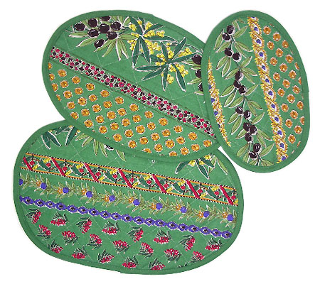 Set of 3 ovale quilted table mats (mimosa & olive. green)