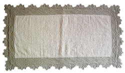 Provencal Boutis Floor mat. long (natural)