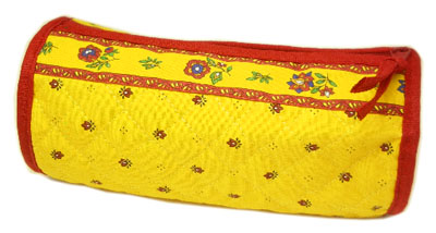Provence Quilted Pouch ROUCY(Calissons. yellow x red)