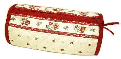 Provence Quilted Pouch ROUCY(Calissons. white x bordeaux)
