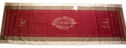 Jacquard Teflon Table runner (Monogramme. bordeaux )